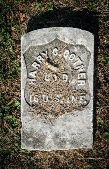A gravestone in Saint Elizabeths Cemetery.  Photo by Susana Raab/Anacostia Community Museum/Smithsonian Institution