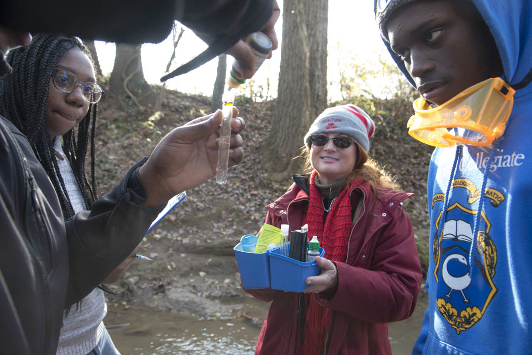 Anacostia Community Museum Young Citizen Scientists Explore Lower Beaverdam Creek with State Farm